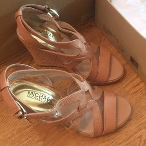 5.5 must see genuine leather Michael Kors sandals
